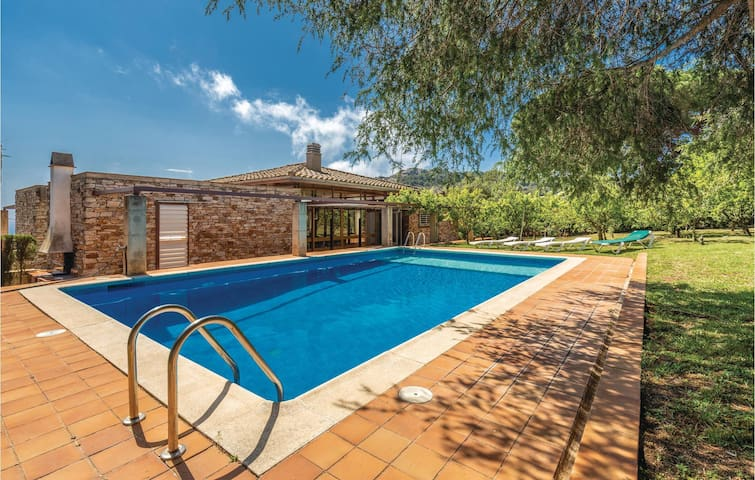 Holiday cottage with 6 bedrooms on 320m² in Begur