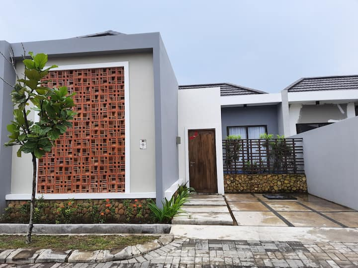 Tiny Villa Anyer 2
