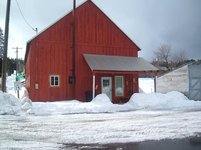 Red Barn Lodge - Elk River - Cabin