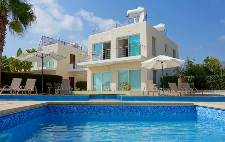 Holmes Place Seaview Apartment - Peyia - Flat