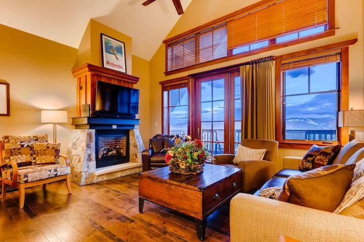 One Ski Hill Penthouse: Ski-in/Out, A/C, Swimming Pool, Bowling, Shuttle| Sleeps: 2 Bedroom, 2 Bathroom