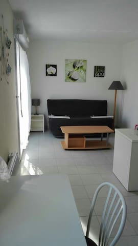 Studio for two people with secure parking - Saint-Brieuc - Apartment