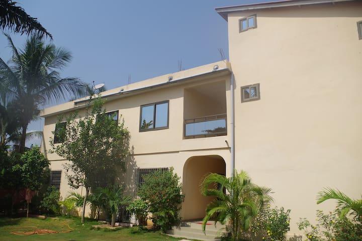 Residence La Rose Adidogomé (1er Etage) - Lome - Hus