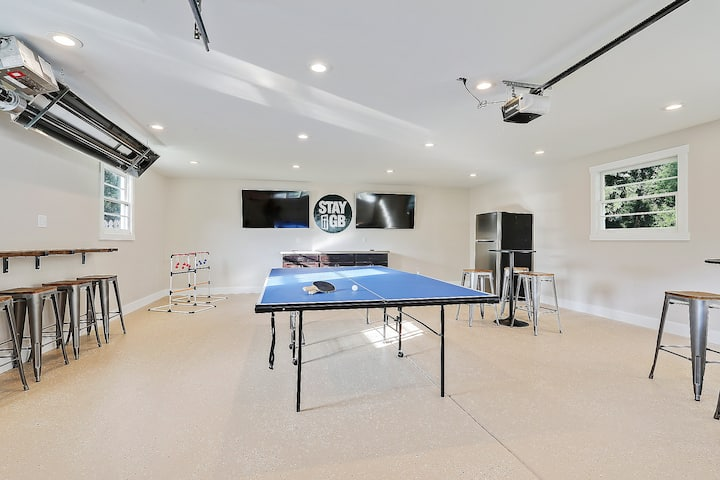 SGB3 - Entertainment Garage, Big Groups, 11 Beds!