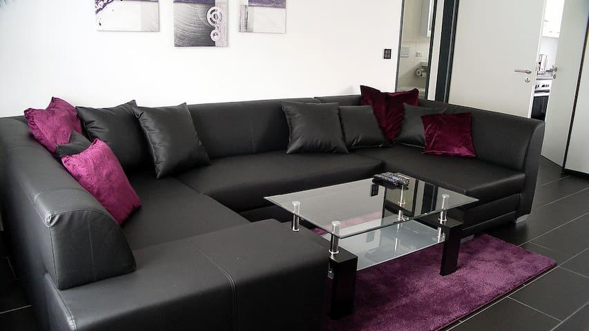 Sitzecke Wohnzimmer /ausziehbare schlafcouch