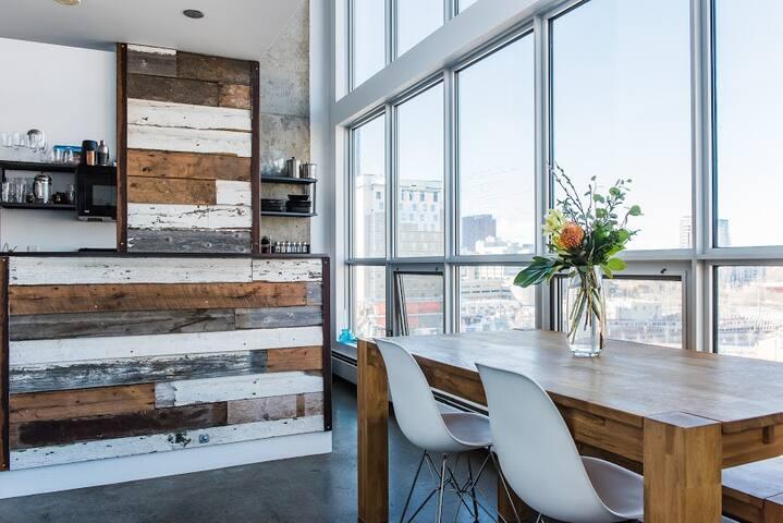 Unique Modern Loft in East Village! - Calgary - Loft