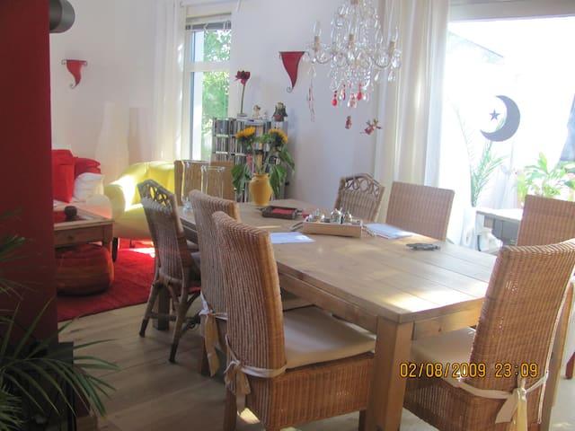 Nettes Frauenzimmer - Oldenburg - Dům