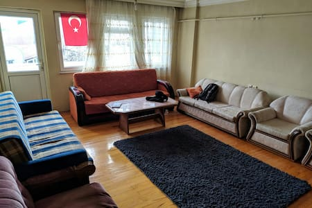 Comfortable house in the center of İzmit.