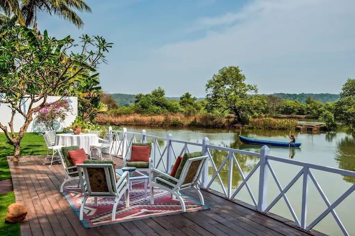 6 Room Villa in Britona on the Mandovi River