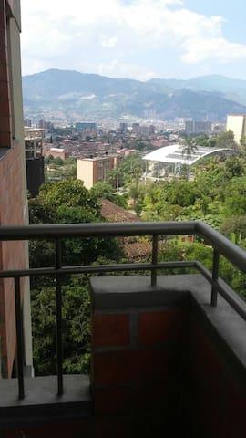 Apartamento acogedor y confortable Envigado-Lleras - Envigado - Lägenhet
