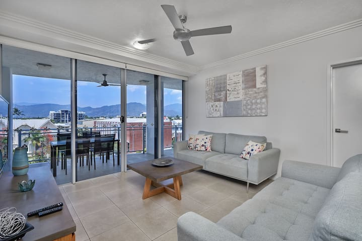 Cairns City 2 Bedroom Luxury Apartments