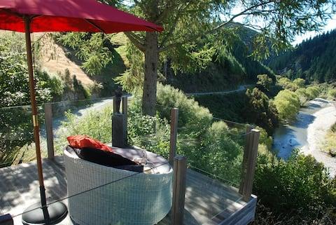 Rotoiti Retreat, Nelson Lakes.