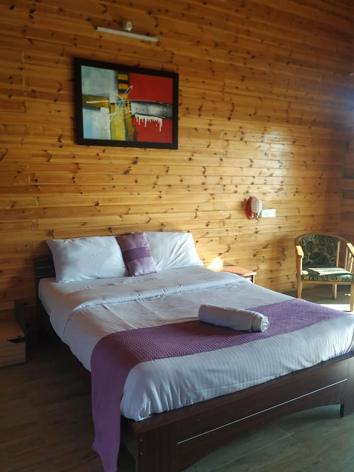 Wooden Hut Suit experience in Nilgiri Hills