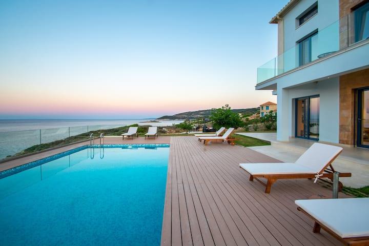 Symeon De Javu Seaside Villa with Private Pool