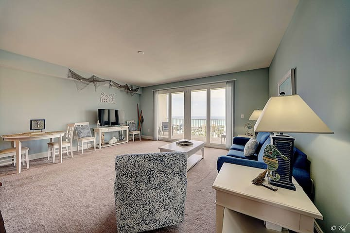 Walk in to a wide open living space to enjoy your vacation with amazing Gulf views