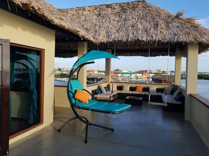 Rooftop Honeymoon Suite: 360 Panoramic Ocean Views