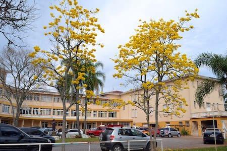 Quarto Confortável e Econômico em Guaporé