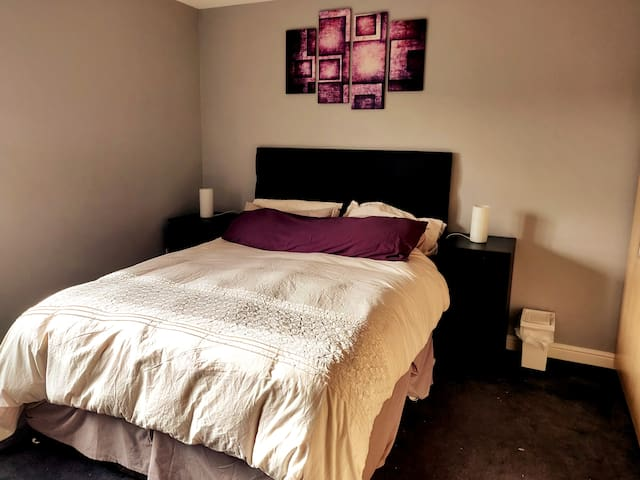 Cosy Penthouse, 20 mins to Cntrl London, sleeps 6