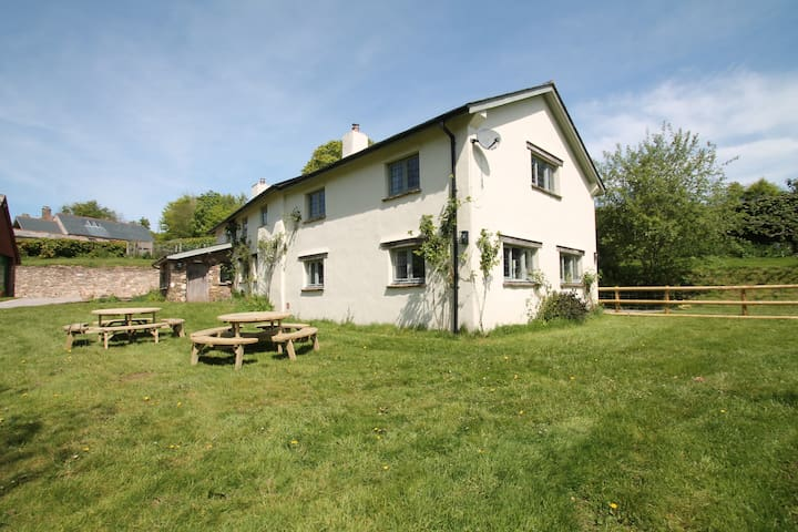 Middle Stolford Cottage, Brendon Hill | Sleeps 7+2