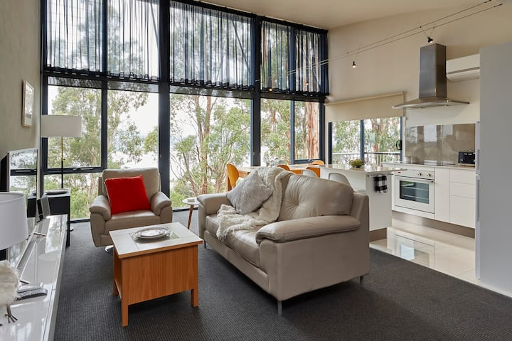 Tamar River Apartments - Treetops Luxury 2 Bed