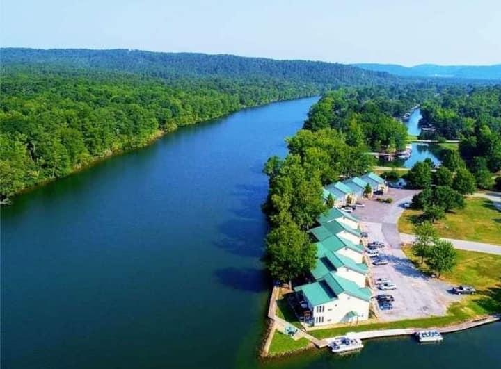 Perfect Lake Retreat