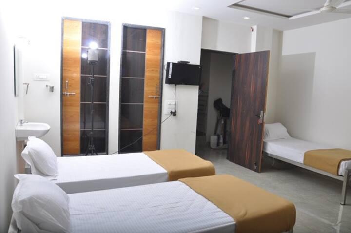 Hotel Haripriya Grand, Kolhapur Deluxe Room Ac