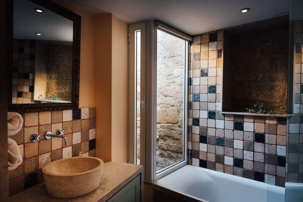 Loullaki 1 - The bathroom