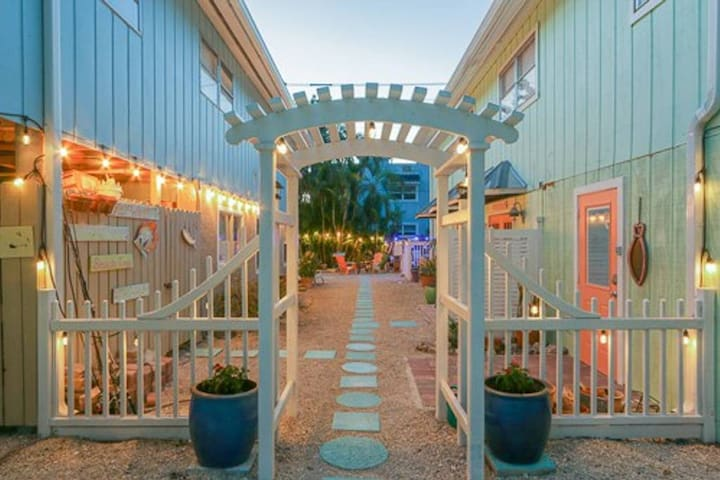 Welcome to the Sand Dollar at the Fort Myers Beach Inn.