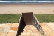 Escada de acesso para a areia