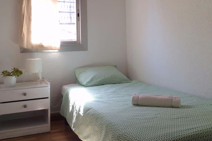 Cosy single room en el Raval - Barcelona - Apartment