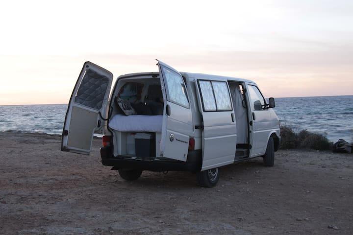 Voilkswagen Transporter Camper