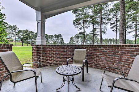 Resort-Style Condo w/ Pool Access on Golf Course!