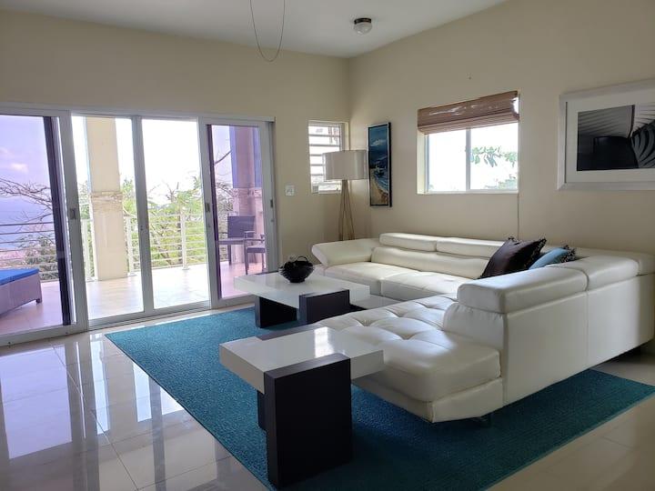 Villa Indigo 1BR Apartment in Private Gated Estate