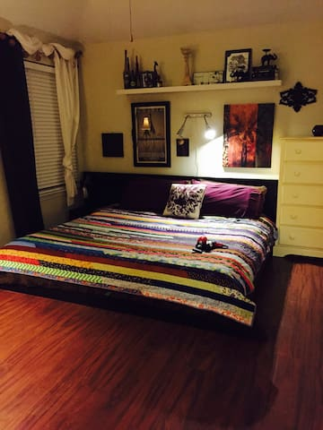 King Size Master Suite - Lockhart