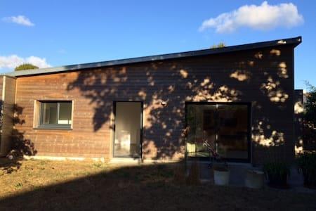 Maison en bois chaleureuse - Bouaye