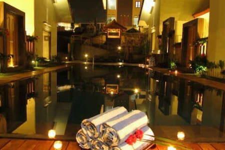 Omah Angkul Angkul Pool Villa - Bandung