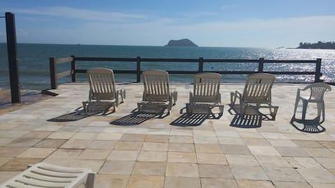 Pe na praia, resort, pisc, churras, wifi, vig24hs