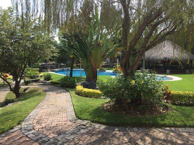 Se renta casa de descanso en Cuernavaca