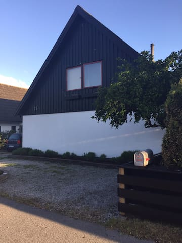 Pleasant house on quiet street - Skanör-Falsterbo - Dům