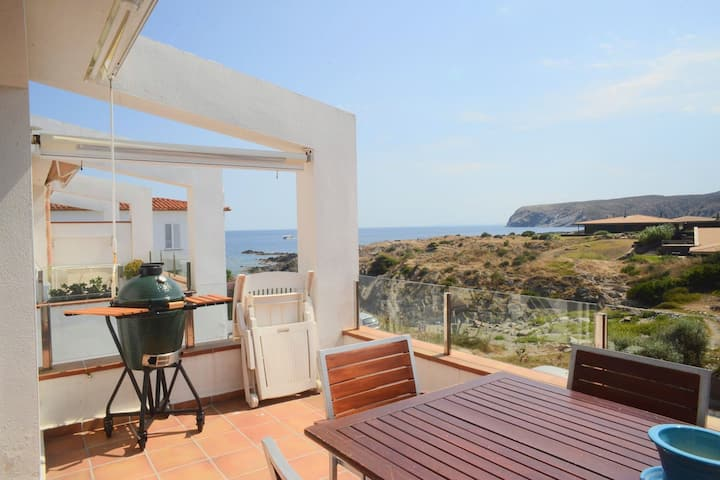 Beautiful sea view  Cadaqués!!❤Casa Valentine❤