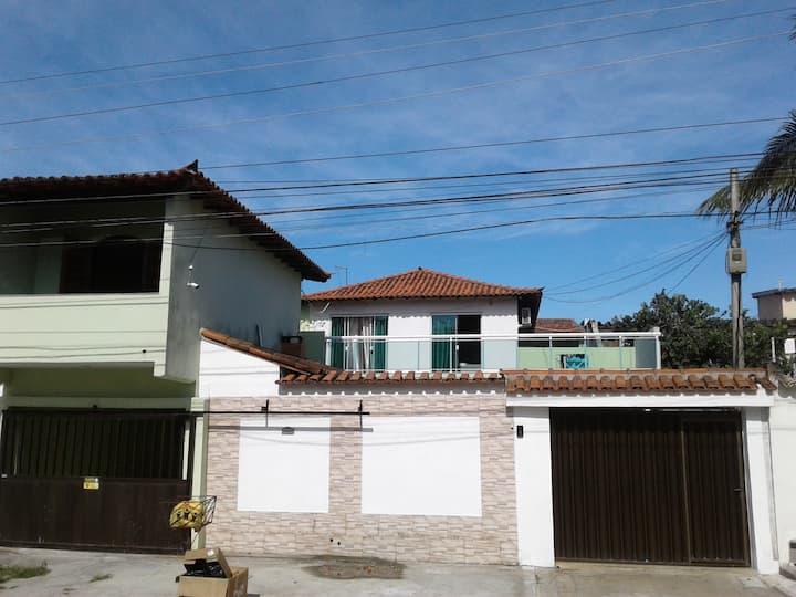 Cabo Frio- Casa: 1 Quarto, sala, quintal. Tv,
