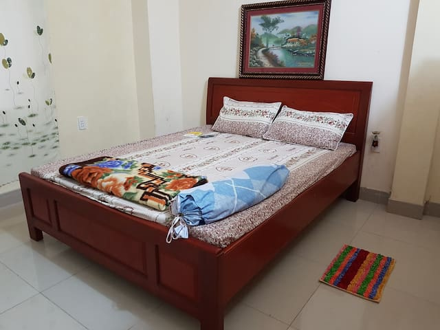 2 quiet double rooms - one ensuite - Da Nang - House