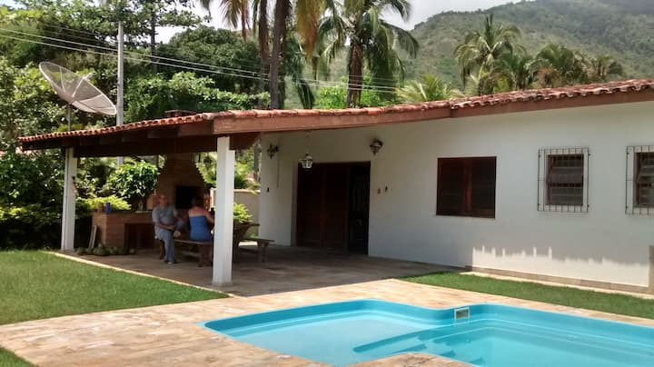 Casa  5  dormitórios e piscina  Praia das Cigarras