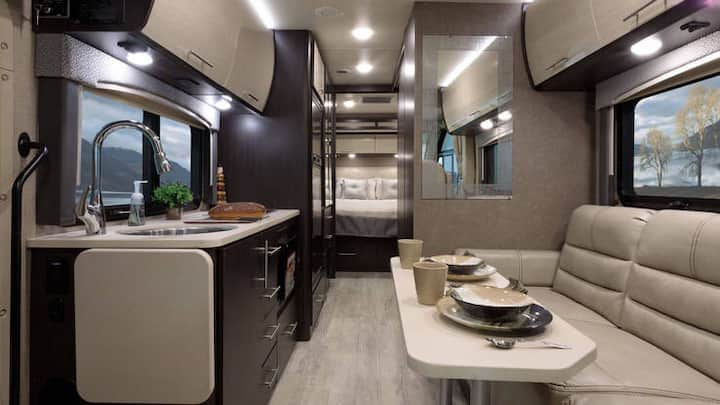 Cozy Luxury small Motor home experience no driving