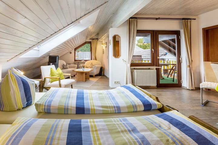 """Cosy Studio Apartment """"Apartment Haus Billi"""" Near the Lake with Balcony, Wi-Fi & SAT-TV; Parking Available"""