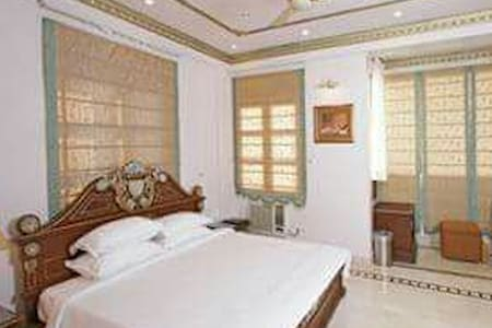 Luxurious victorian furnished flat - Chennai - Apartament