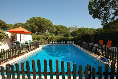 4 bedroom villa in Vilamoura with private pool - Quarteira - Huvila