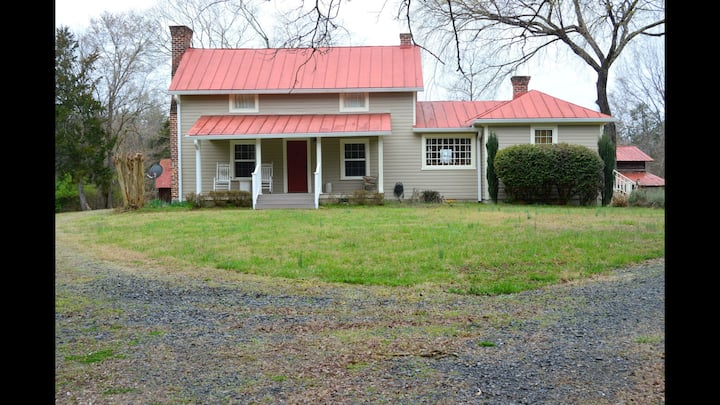 Beautiful Southern Farm House on 60 Acres