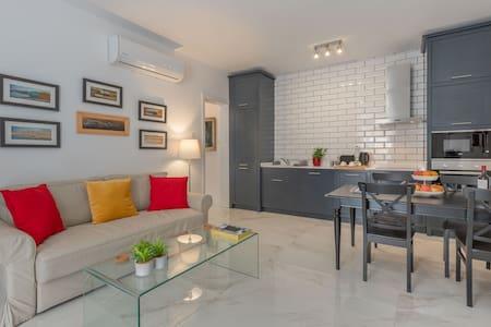 New lovingly renovated central Valletta apartment