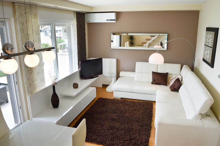 Luxurious apartment in center of Malinska - Radići - Wohnung